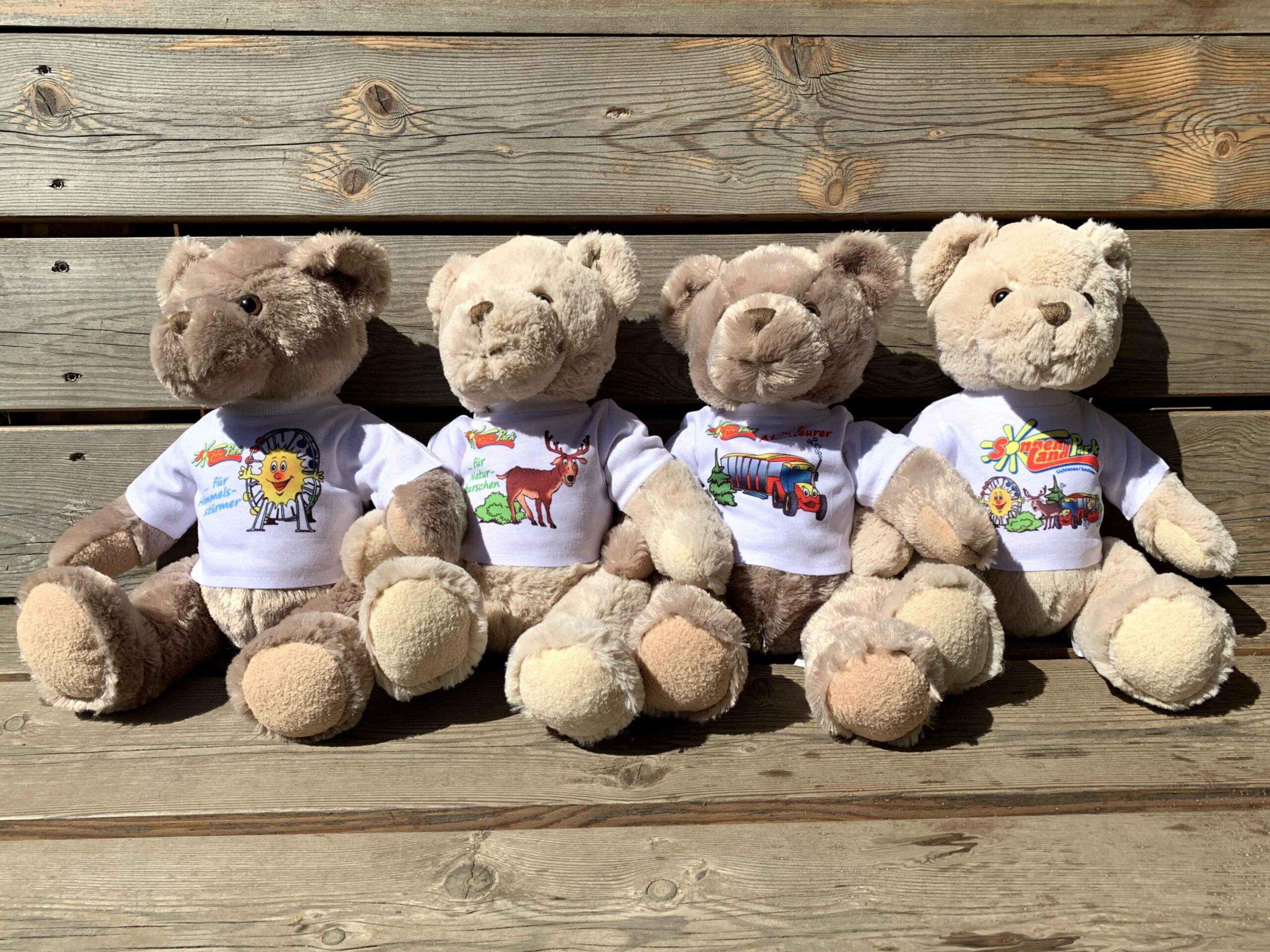 Teddys mit Sonnenlandpark-Logo